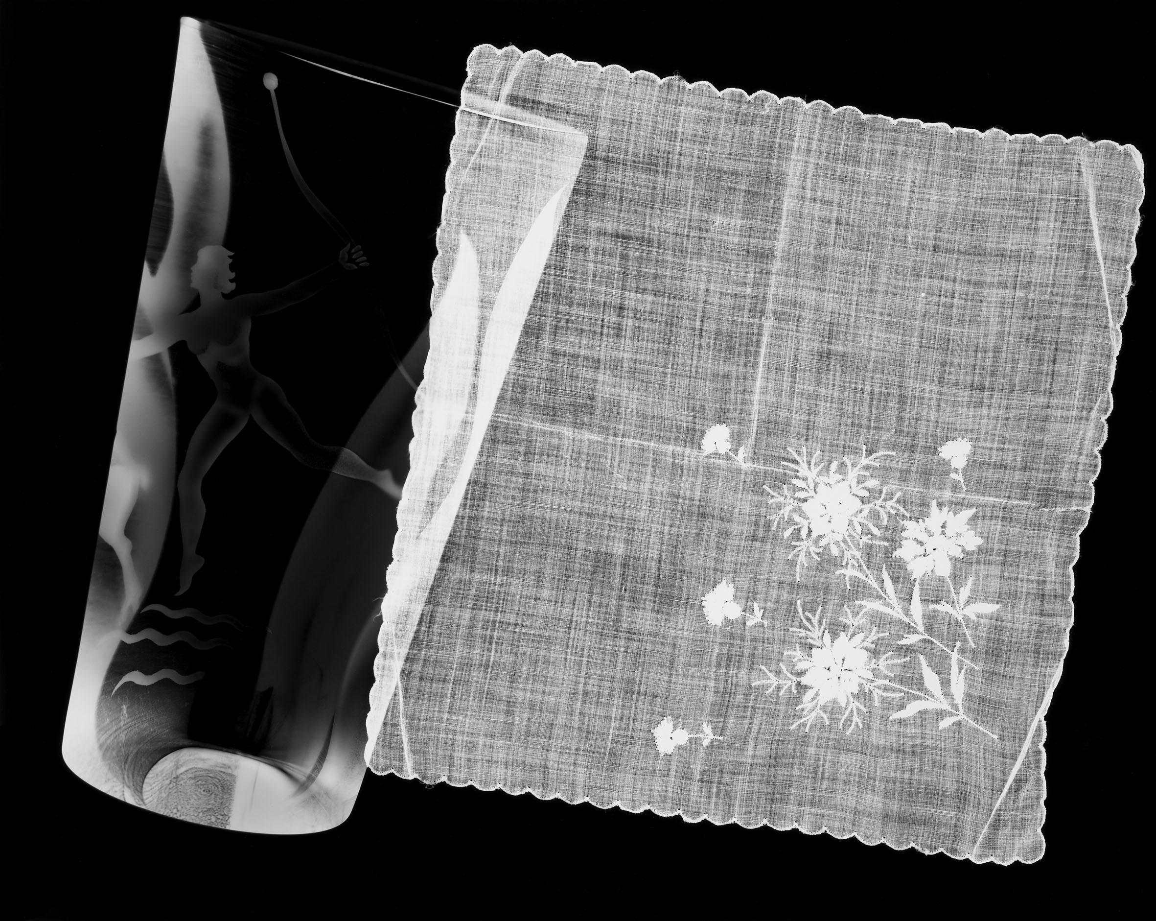 IÑAKI BONILLAS. Secretos: rayografías, 2016 (Detail) | Accrochage #2: Escritura Nocturna | ProjecteSD