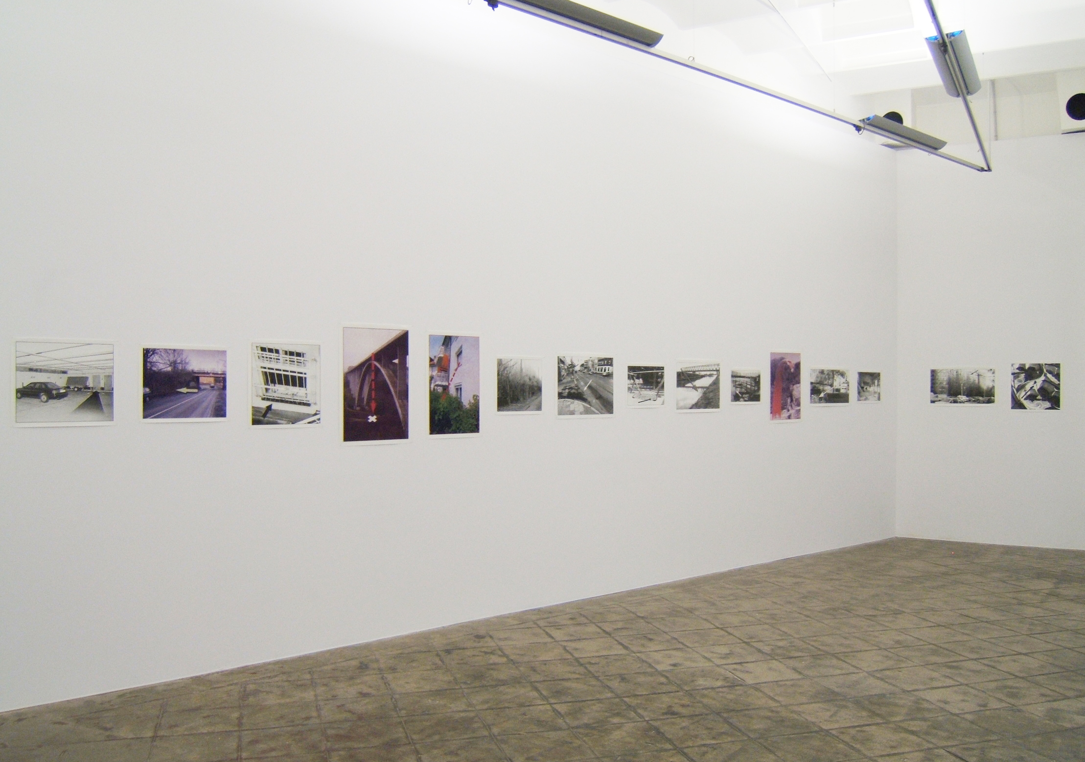 Installation view: Arrows, ProjecteSD, 2006 |  | ProjecteSD