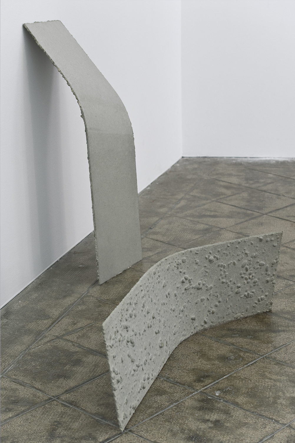 Bent inversion (lehnend), 2012; Bent inversion (seitlich stehend), 2012 |  | ProjecteSD