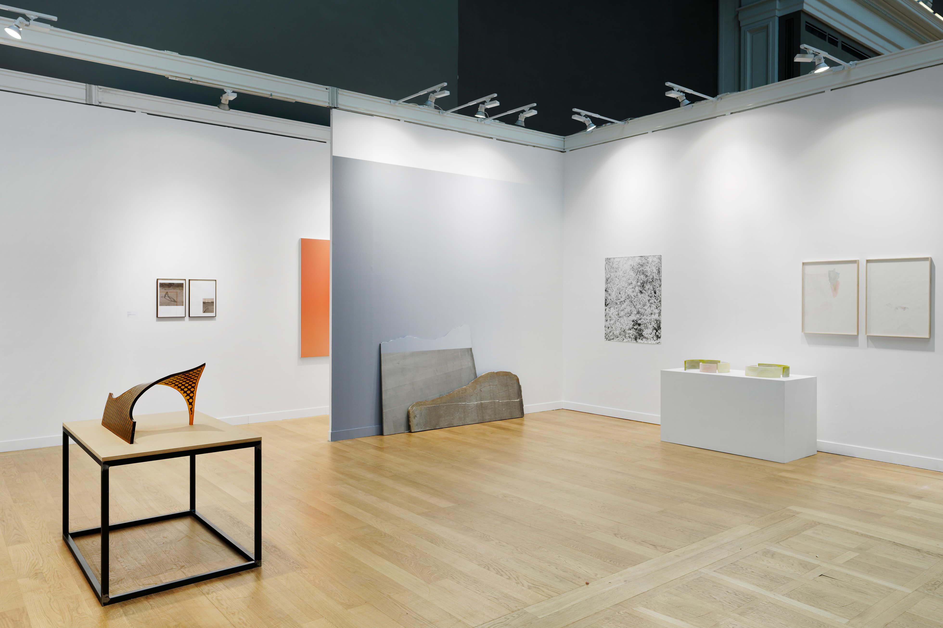 Installation view: ProjecteSD, Booth 1J08 | FIAC 2018. FOIRE INTERNATIONALE D'ART CONTEMPORAIN | ProjecteSD