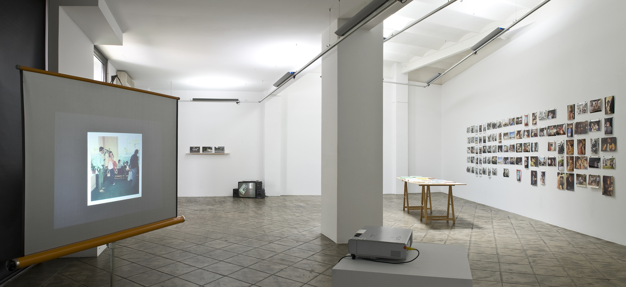 Installation view: The Umbrella Corner. Chapter 6, ProjecteSD, Barcelona, 2013. | The Umbrella Corner. Chapter 6 | ProjecteSD