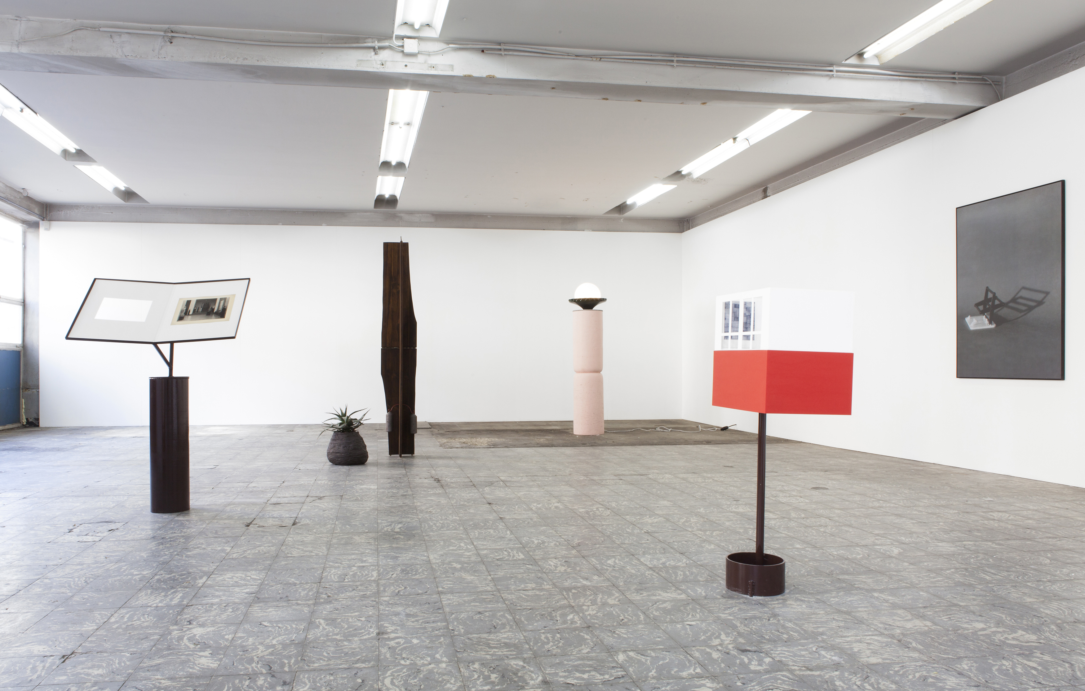 Installation view: The Desperate, Furiously Positive Striving of People Who Refuse to Be Dismissed, Extra City Kunsthal, Antwerpen, 2014 |  | ProjecteSD