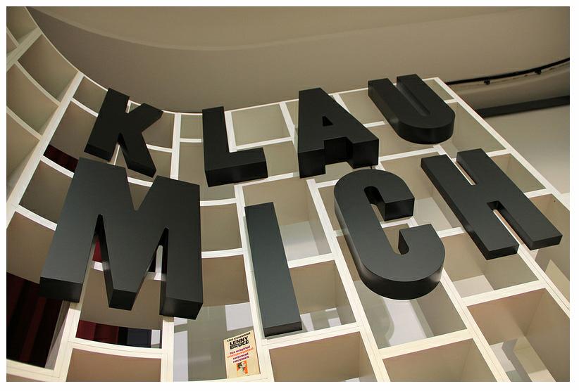 Die Klau Mich Show, 2012 (Detail of set)      ProjecteSD