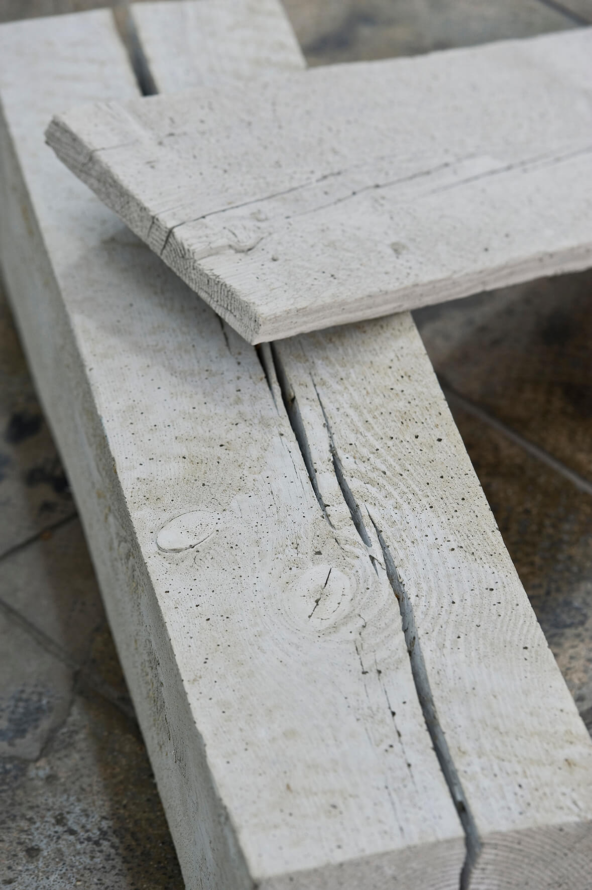 Not to be titled (graues Holz), 2012. (Detail) | 10, 25, 80 | ProjecteSD