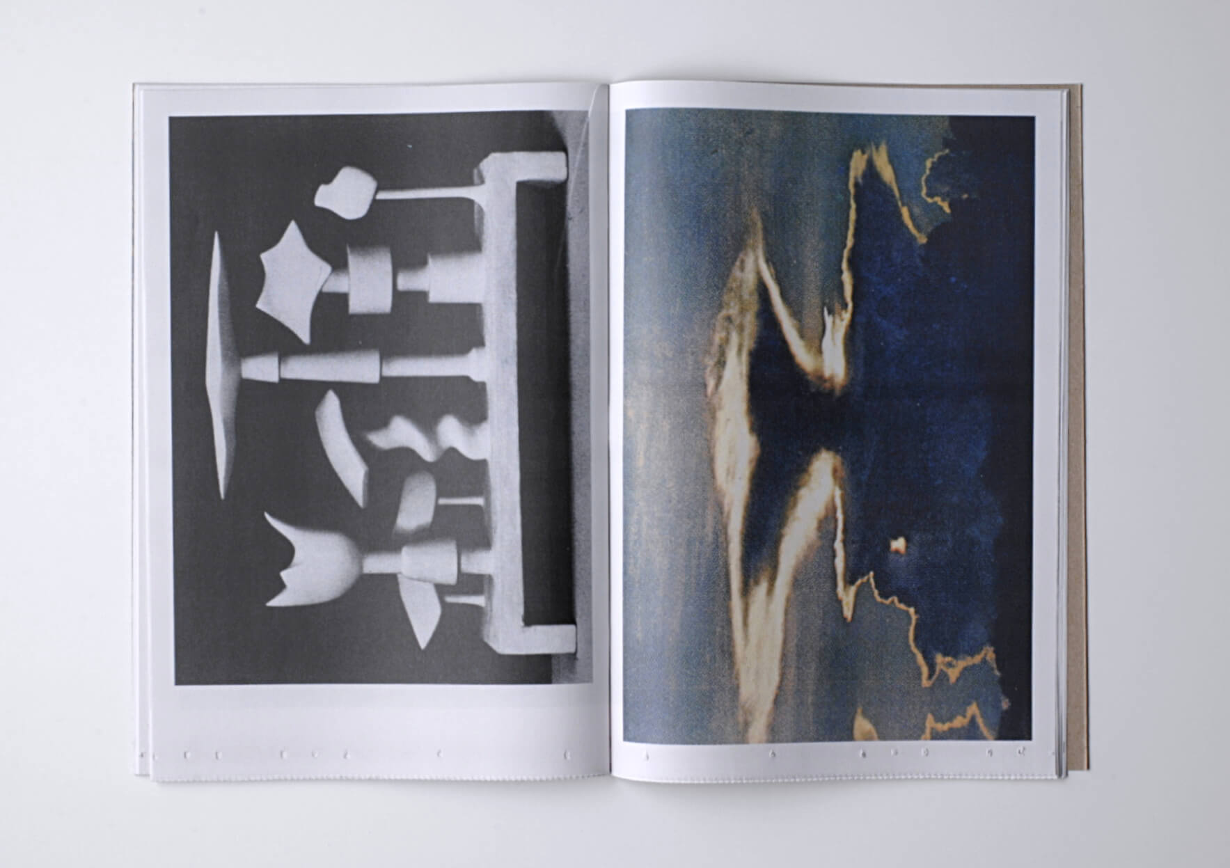 Batia Suter Cloud Service, 2019 28,5 x 19,5 cm Ed. Roma Publications | Mother | ProjecteSD