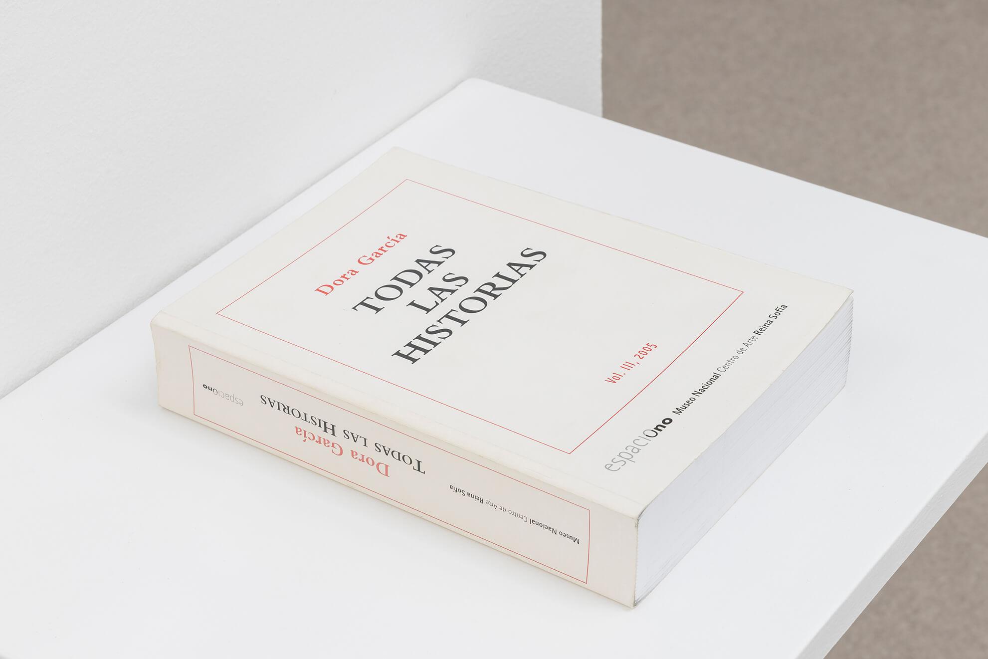 DORA GARCÍA. Todas las historias, 2005 | Lara Fluxà: Delu / Accrochage #5: Set Petites Històries | ProjecteSD